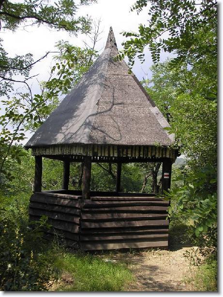 Obnovení altánu na Primátorské stezce v Divoké Šárce